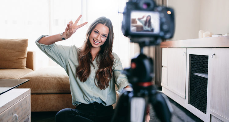 How Small Businesses Can Use Video Blogging To Grow Sales